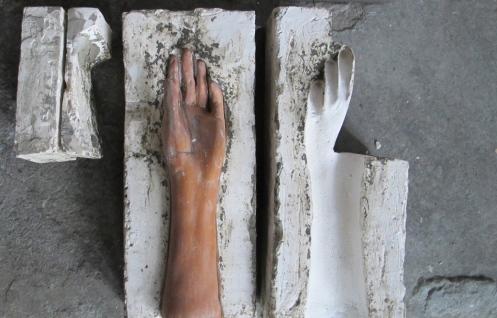 Tic - photo: Bonnie Broussard, sculpture: Matthew Broussard